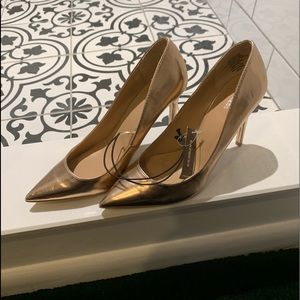 "NWT Express Copper/Rose Gold 4"" heels. Size 8"